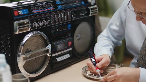 Loctite aplikace radio
