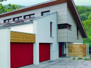 Sekční garážová vrata LPU v provedení M-drážka RAL 3003. Cena tohoto provedení od 22 551 Kč. Hörmann