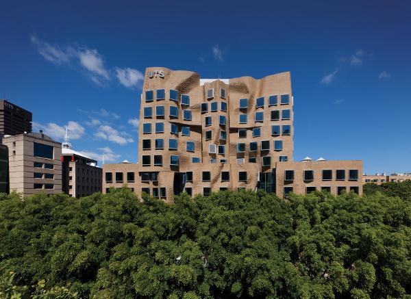 Dr Chau Wing Building Austrálie